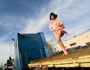 BrittanyAndrews/Graffiti Girls Train Yard Girl 2