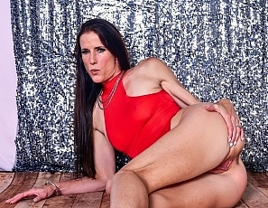 SofieMarieXXX/Red Dress and Lace Panties