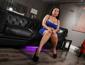 WillTileXXX/Lady in a Blue Dress Krystal Davis